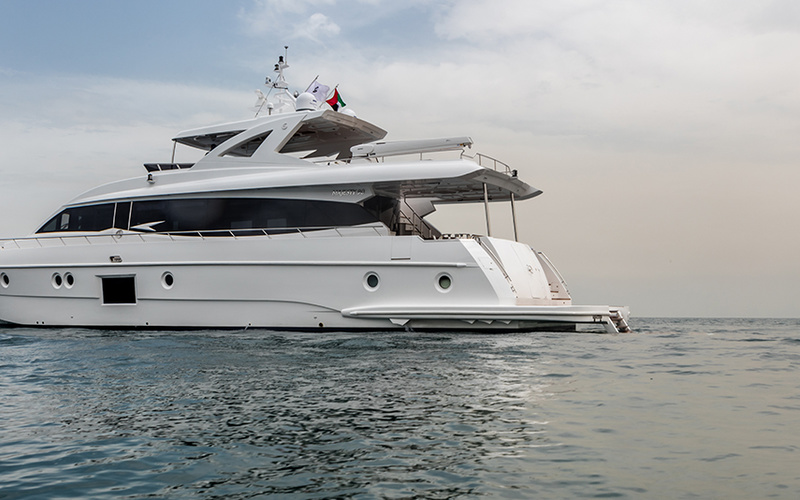 Majesty Yachts 90