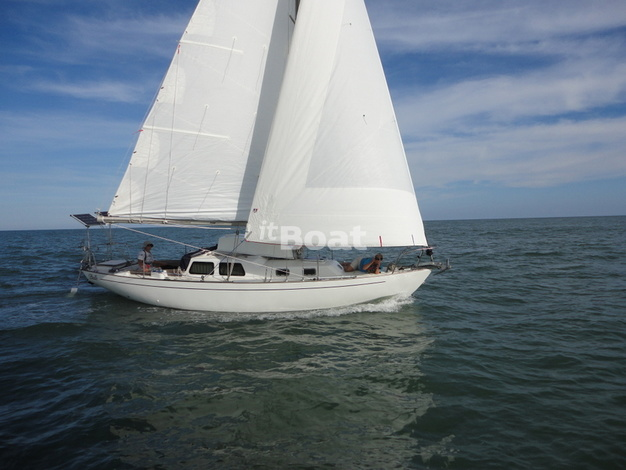 Whitby Brewer Sailboats ALBERG 30 изображение 2