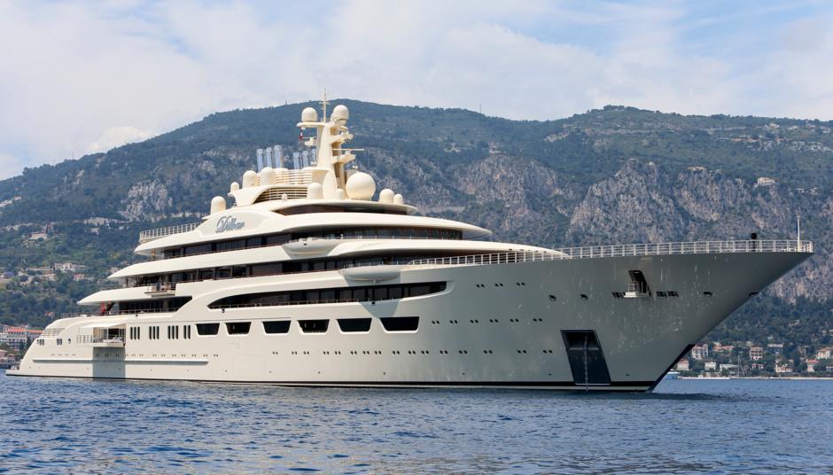 Самая вместительная яхта планеты Dilbar предназначена для размещения 36 гостей.