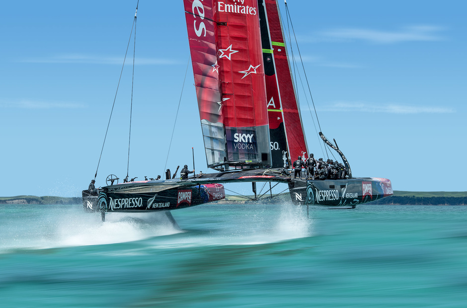 Pedal drive and pokerflies: what's behind New Zealand's success in the «America's Cup.»