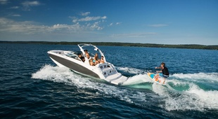 Four Winns HD 220 Surf