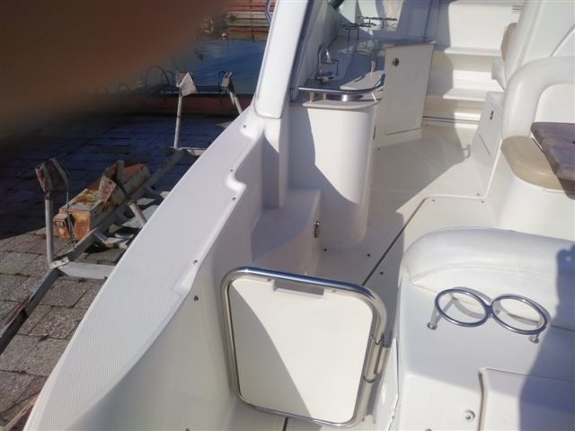 2008, Sea Ray 335 Sundancer