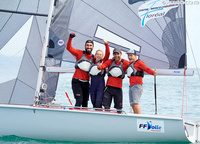 Having won 3 out of 8 races during the regatta and finished three more times in three, Give me five naturally won the title of world champions. «The French are strong, they were almost out of reach»,