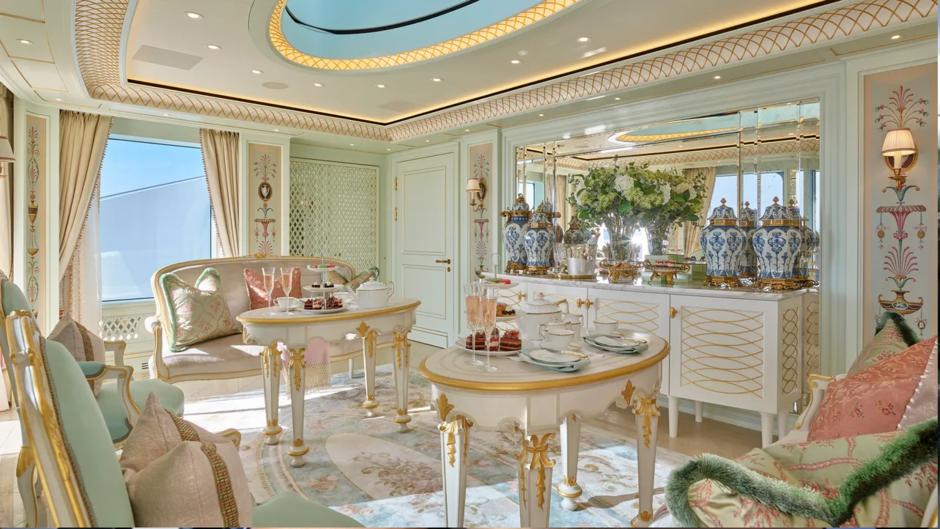 Чайная комната на верхней палубе