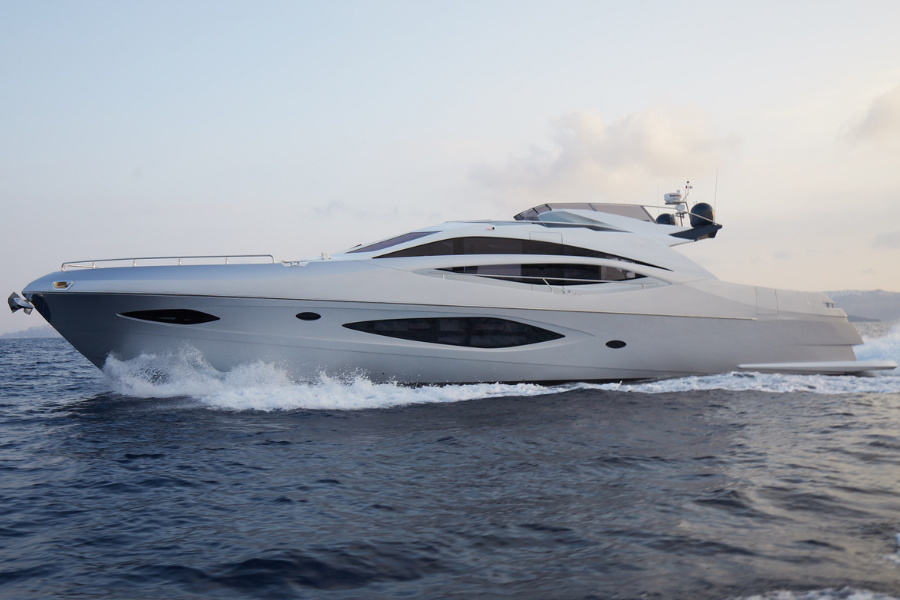 Adonis, a yacht with artificial intelligence.