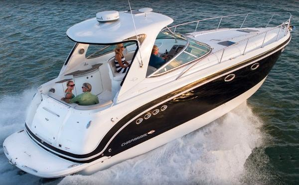 Chaparral 370 Signature Cruiser