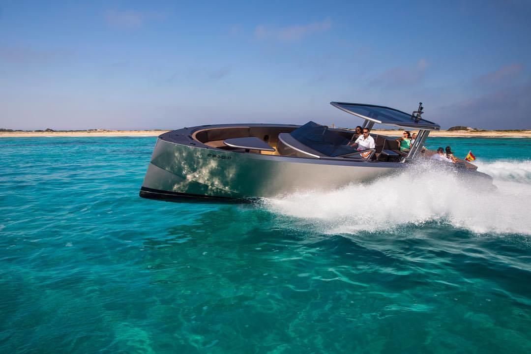 Vanquish Yachts