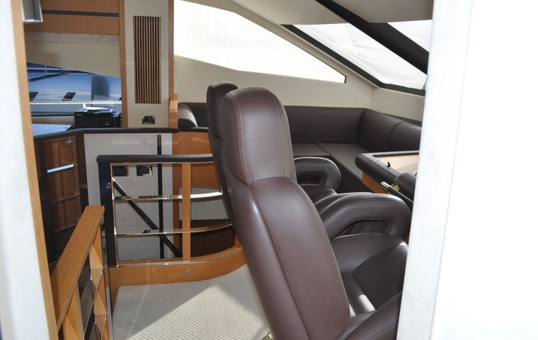 2012, Sunseeker Manhattan 73
