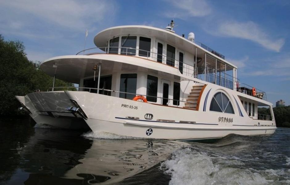 """Yacht """"Joy"""""""