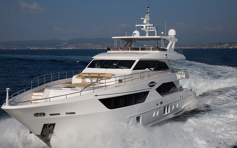 Majesty Yachts 110