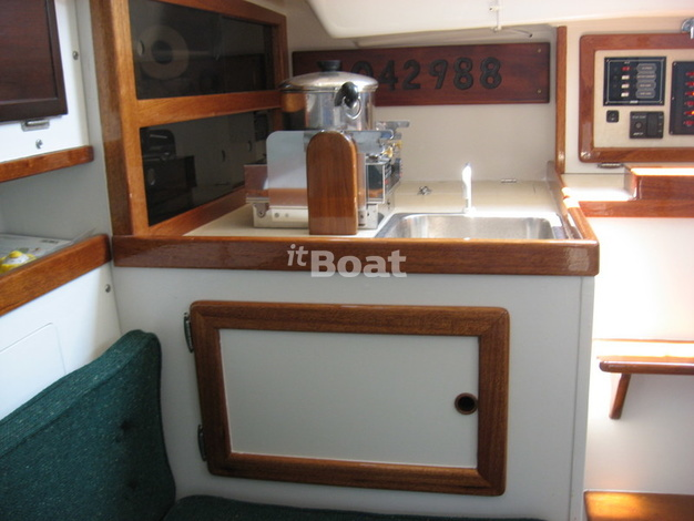 Whitby Brewer Sailboats ALBERG 30 изображение 7