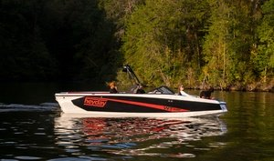 Bayliner WT-Surf