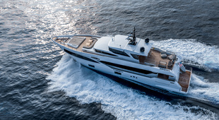 Majesty Yachts Majesty Yachts 100
