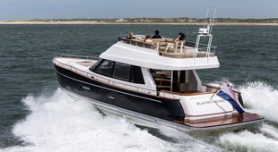 Contest Yachts 52MC Flybridge